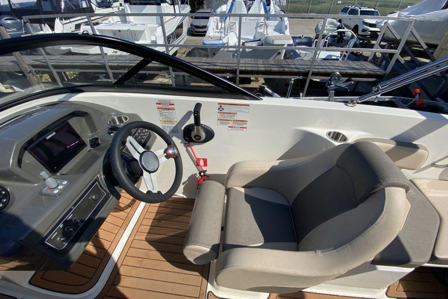 Bayliner VR6 Bowrider -pilot-seat