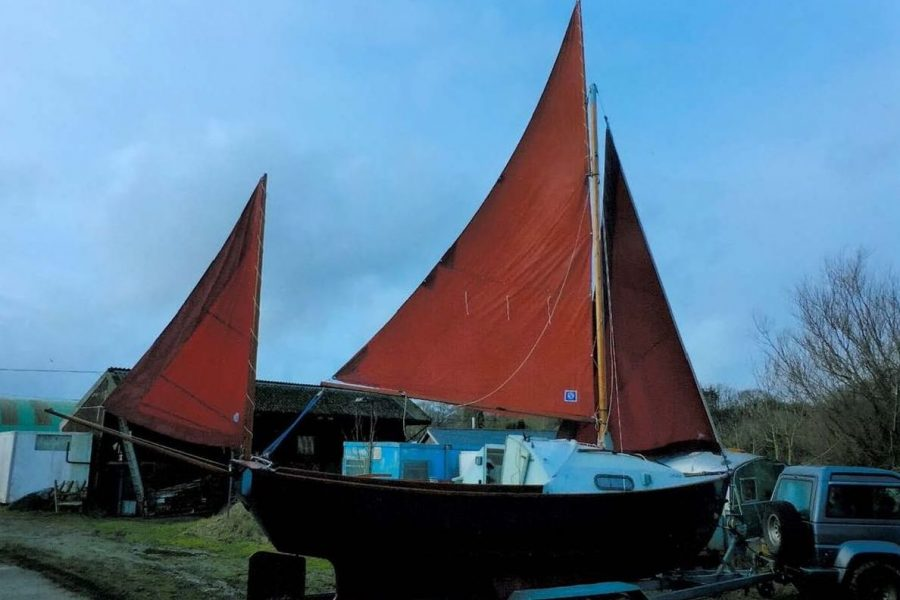 Drascombe Drifter - with sails up