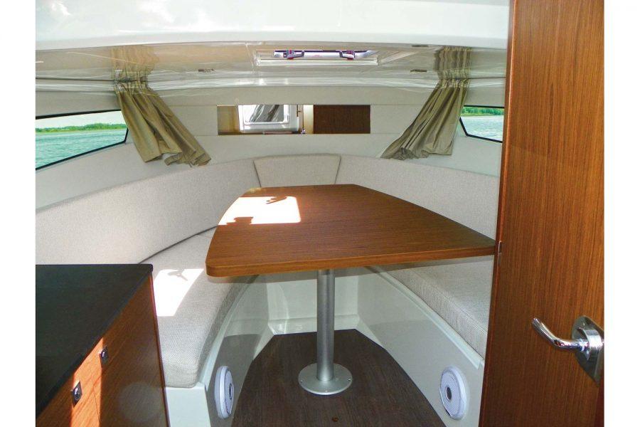 Jeanneau Cap Camarat 9.0 WA (sports boat / cruiser) - forward cabin with saloon