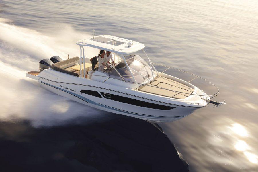 Jeanneau Cap Camarat 9.0 WA (sports boat / cruiser) - on the water - starboard side