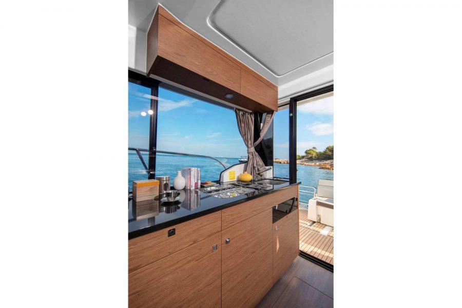 Jeanneau Merry Fisher 1095 wheelhouse fishing boat - starboard side galley