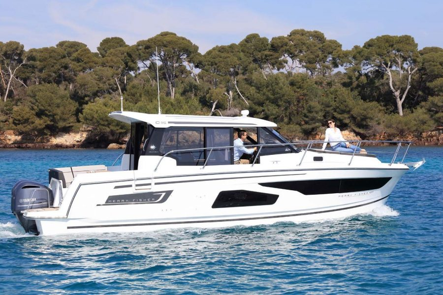 Jeanneau Merry Fisher 1095 wheelhouse fishing boat