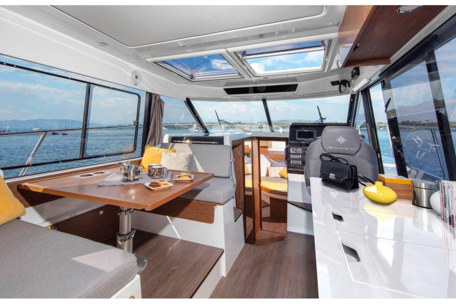 Jeanneau Merry Fisher 1095 wheelhouse fishing boat - wheelhouse