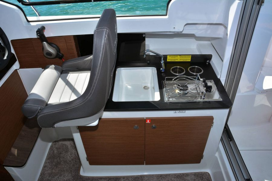 Jeanneau Merry Fisher 695 - galley with gas stove and sink