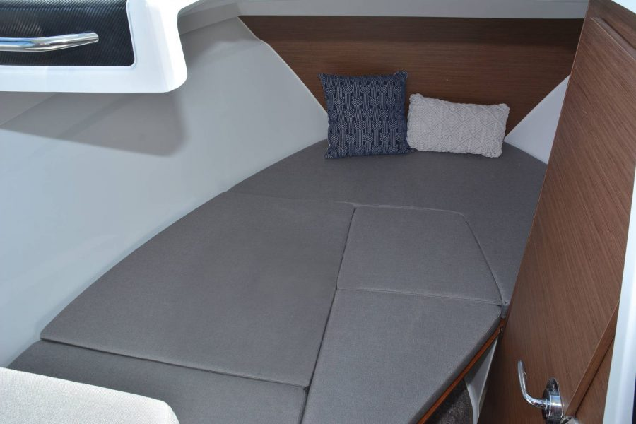 Jeanneau Merry Fisher 695 - cabin with double berth infill