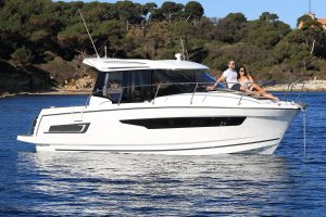 Jeanneau Merry Fisher 895 Legend – Offshore – with must have options
