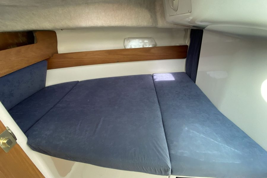 Jeanneau-Merry-Fisher-695-Fish-On-berth
