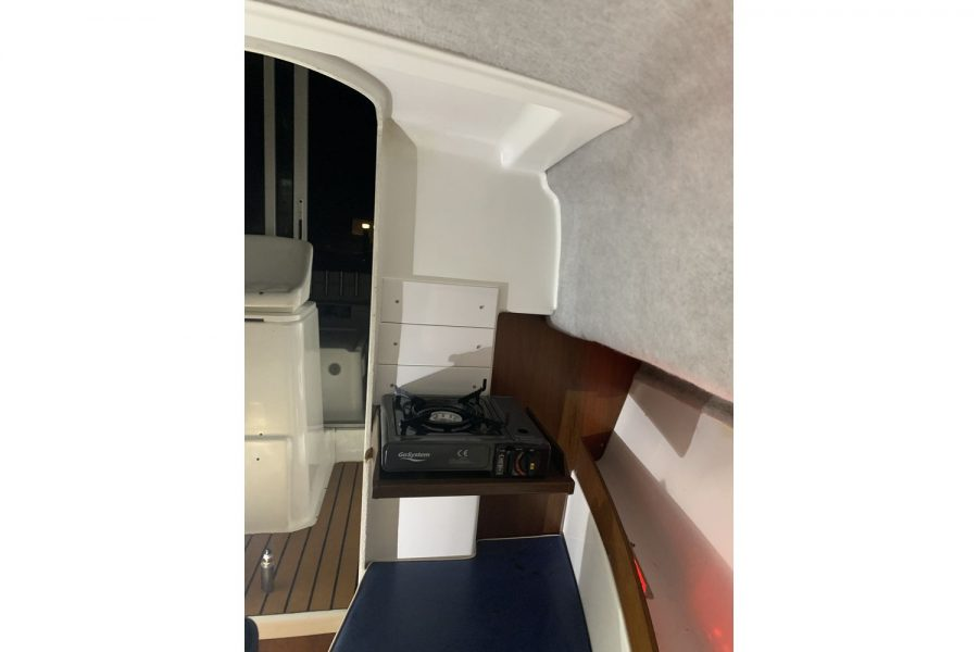 Jeanneau Merry Fisher 635 Inboard Diesel - portable gas stove in cabin