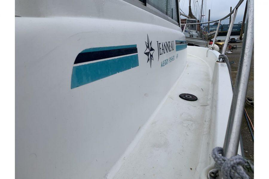 Jeanneau Merry Fisher 635 Inboard Diesel - wide side deck