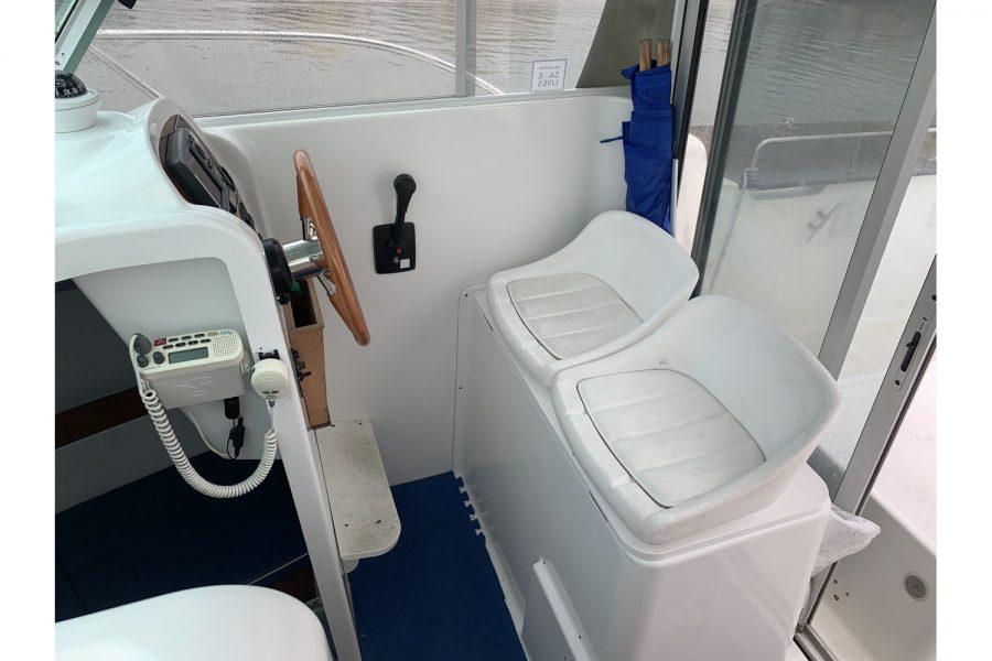Jeanneau Merry Fisher 635 Inboard Diesel - pilot and co-pilot seats in wheelhouse