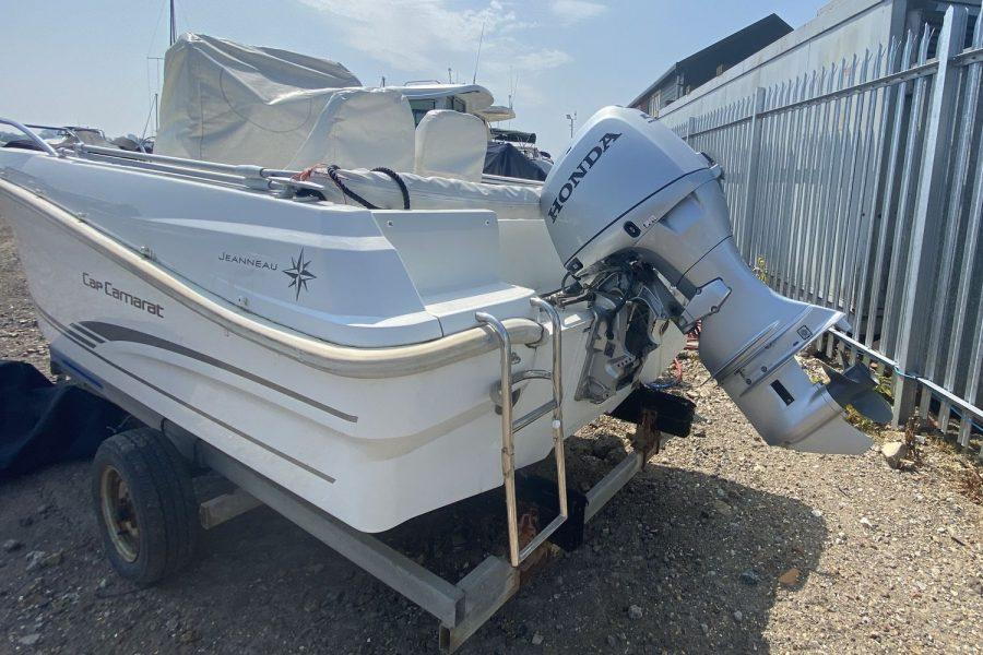 Jeanneau Cap Camarat 4.7 CC - Honda outboard engine