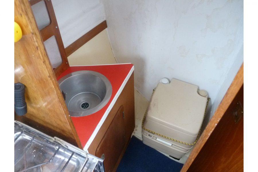 Newbridge Pioneer Pilot - toilet compartment