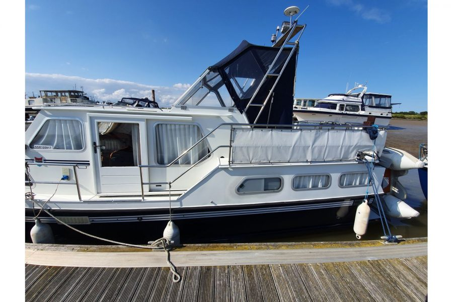Pedro 36 - Steel Hull Diesel Cruiser - port side