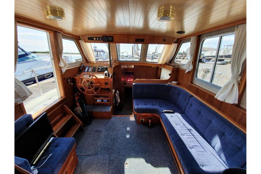 Pedro 36 - Steel Hull Diesel Cruiser - wheelhouse saloon towards bow
