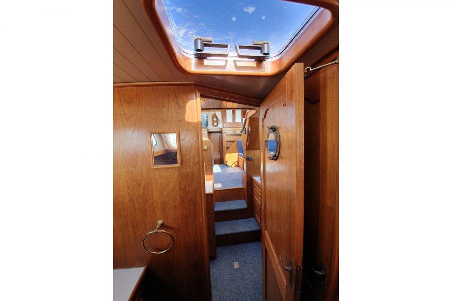 Pedro 36 - Steel Hull Diesel Cruiser - forward cabin deck hatch