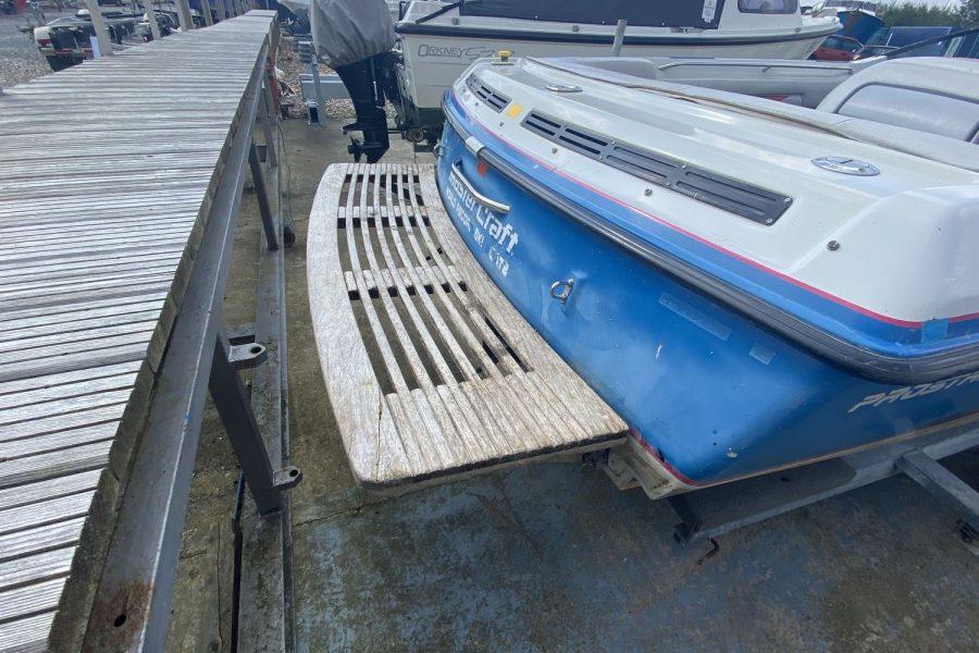 MasterCraft ProStar 190 ski boat - bathing platform