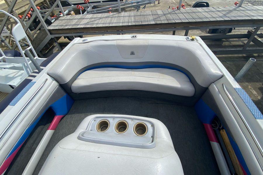 MasterCraft ProStar 190 ski boat - aft bench seat