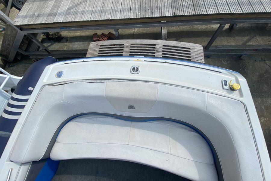 MasterCraft ProStar 190 ski boat - aft bench seat and swim platform