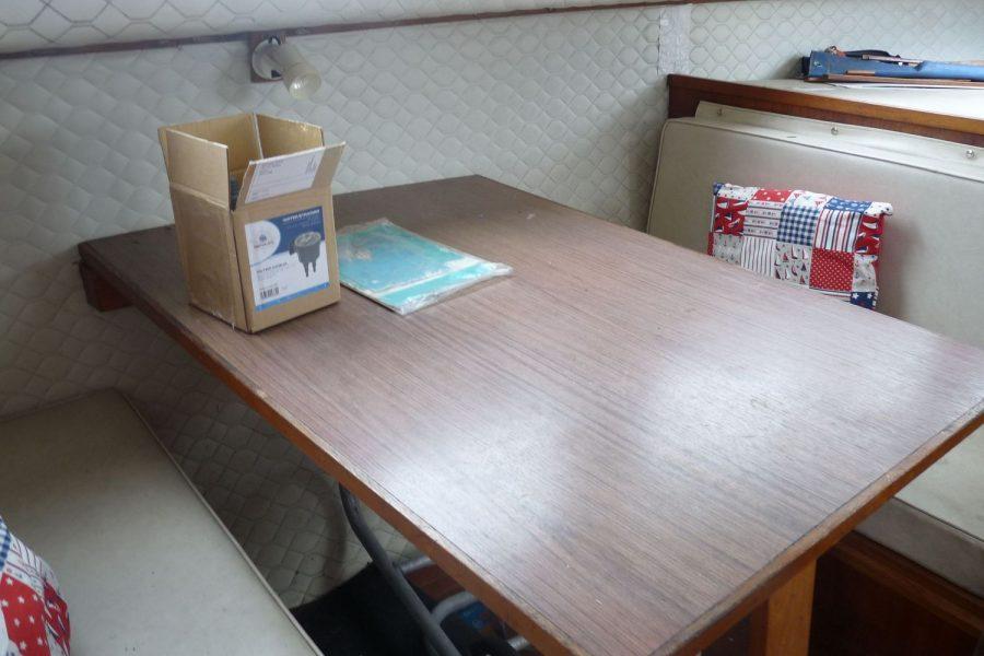 Perlette-table