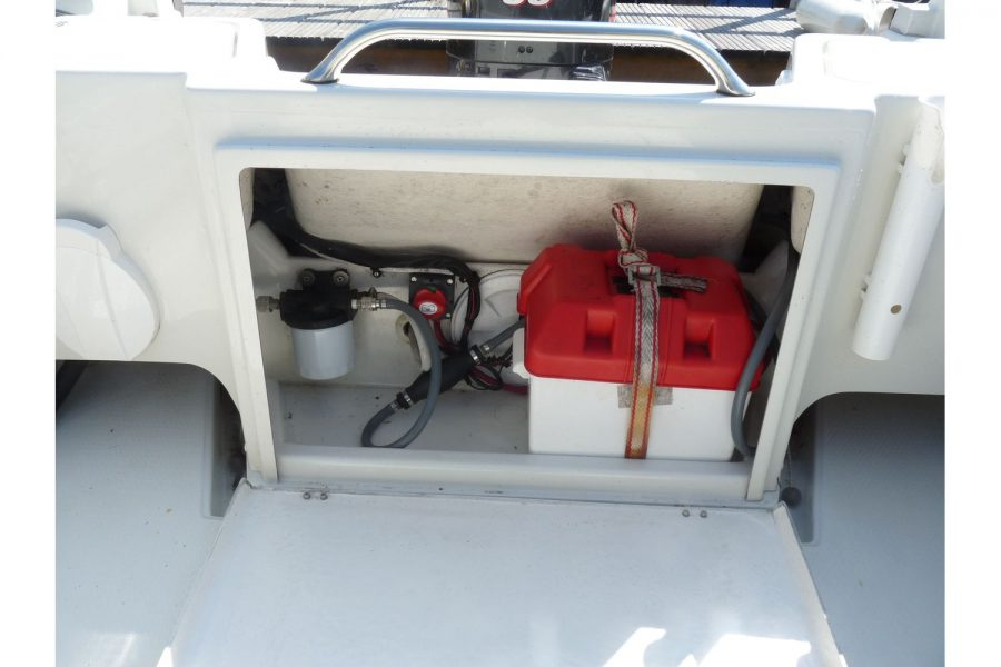 Orkney 522 fishing boat - battery compartment