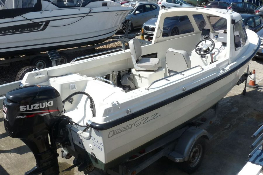 Orkney 522 fishing boat - starboard side and transom