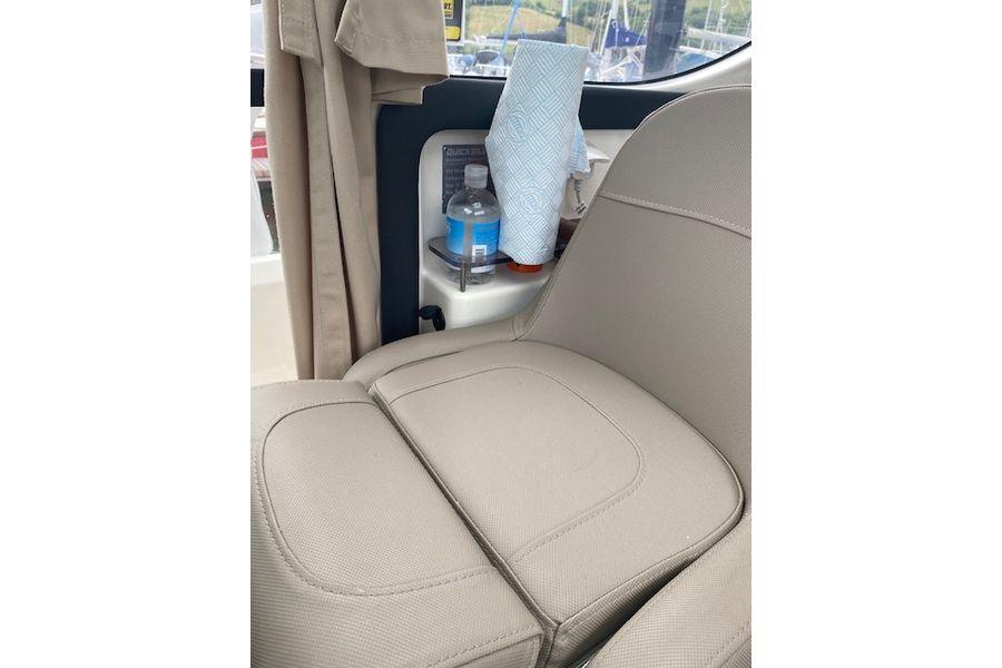 quicksilver-855-weekend-seat