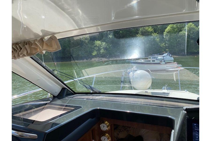quicksilver-855-weekend-windscreen