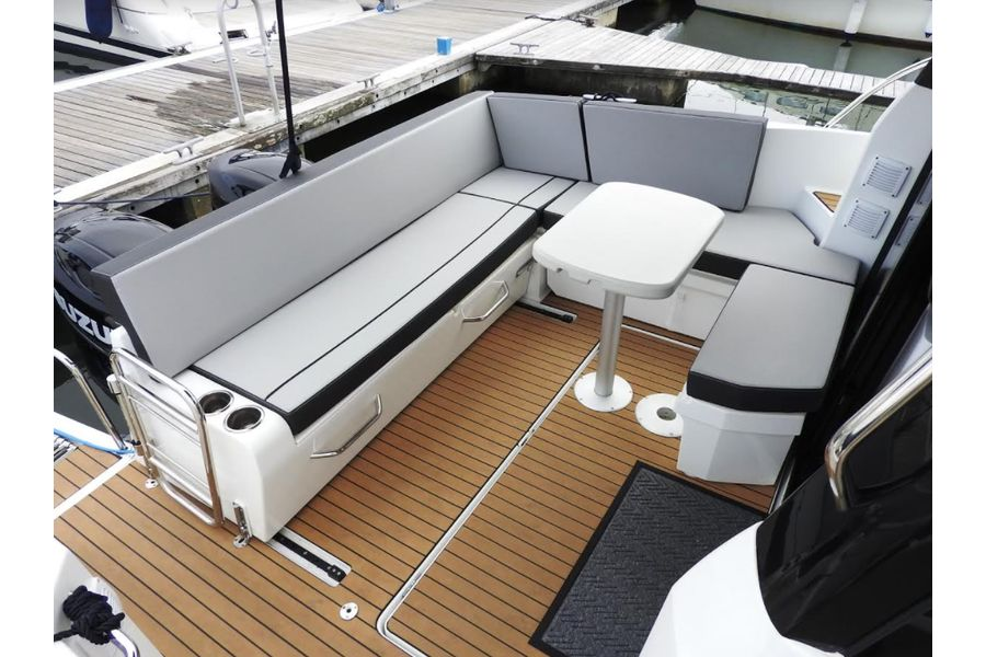 jeanneau-merry-fisher-895-cockpit