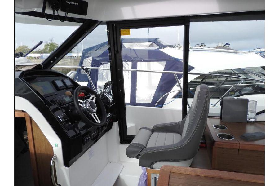 jeanneau-merry-fisher-895-wheelhouse