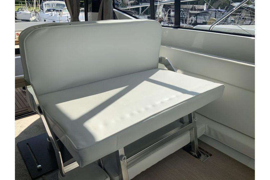 jeanneau-nc-33-bench-seat