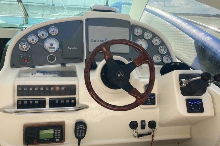 prestige-34-wheelhouse
