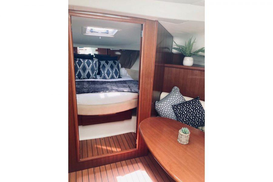 prestige-34-cabin